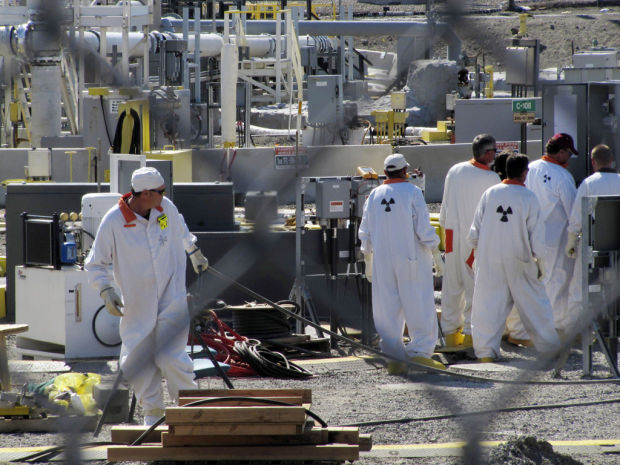 6 underground nuclear-waste tanks leaking at Hanford, Wash., reservation