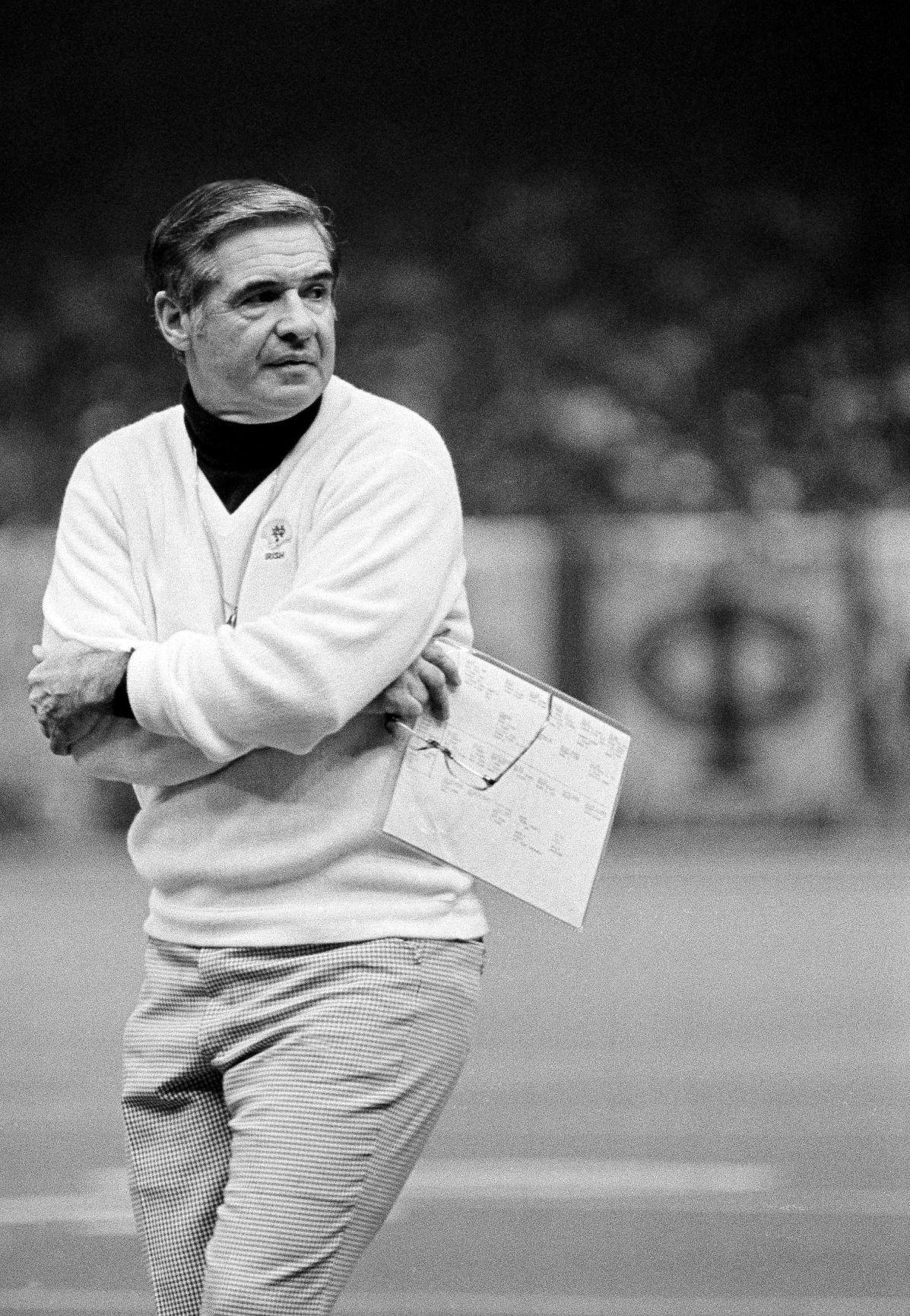 Notre Dame Coach Dan Devine