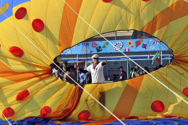 Photo of the day: India Kite Festival