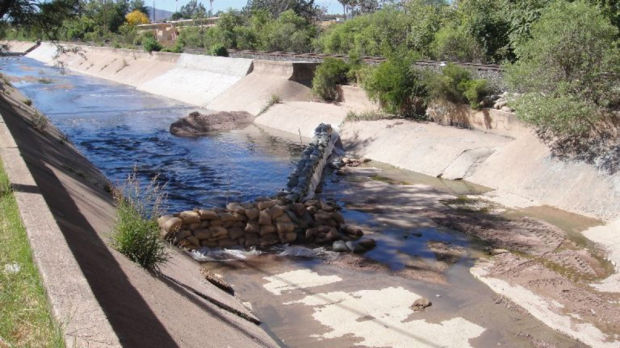 Eroding Sonoran pipeline called an accident waiting to happen