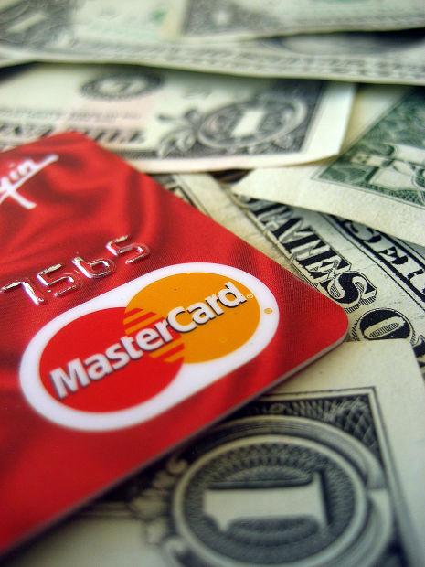 64% of Arizonans fail to compare rates, fees on credit cards