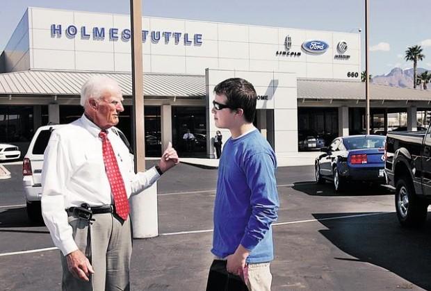 Holmes Tuttle Ford >> Bonnie Henry 2 Veteran Car Salesmen Us Hasn T Lost Its