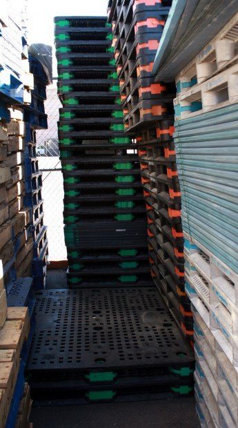 New rules aim to stop theft of plastic pallets