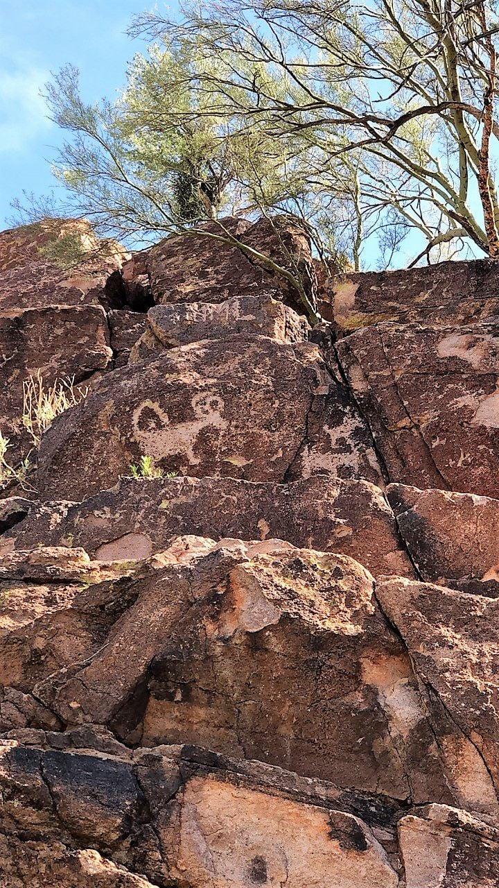 Picture Rocks petroglyphs
