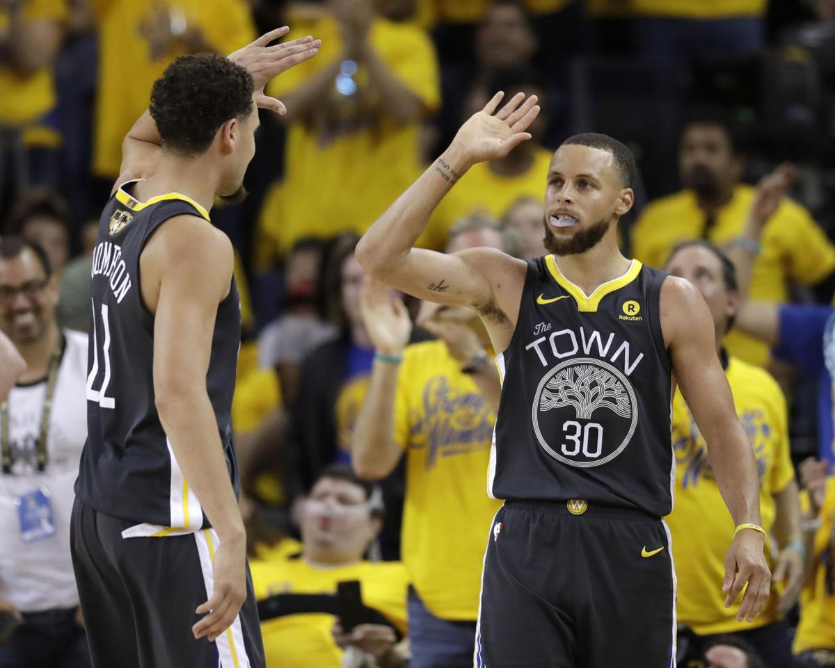 1f3c11e687bf NBA Finals  Stephen Curry bursts for 33 points as Warriors rout LeBron