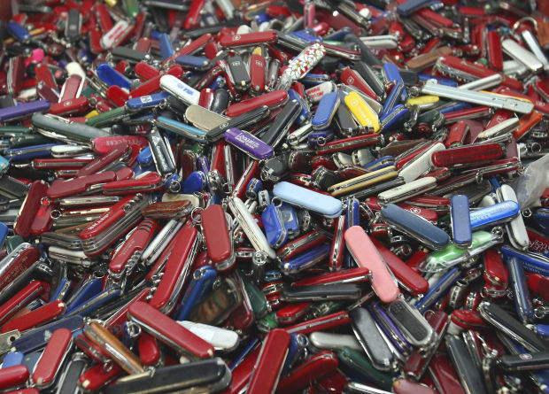 Small knives, bats, clubs to be OK on planes