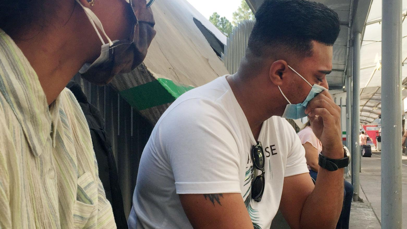 Cuban asylum seeker in Nogales 'can barely sleep' while separated from wife, son