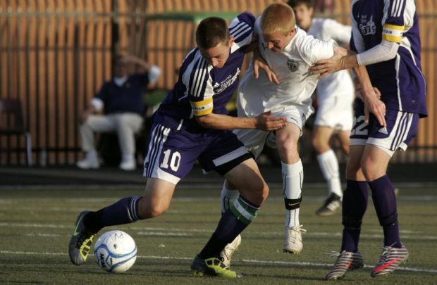 Soccer: Foothills grad Glad enjoys ride