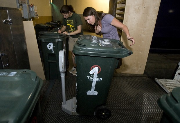 UA students collect waste, make compost for campus