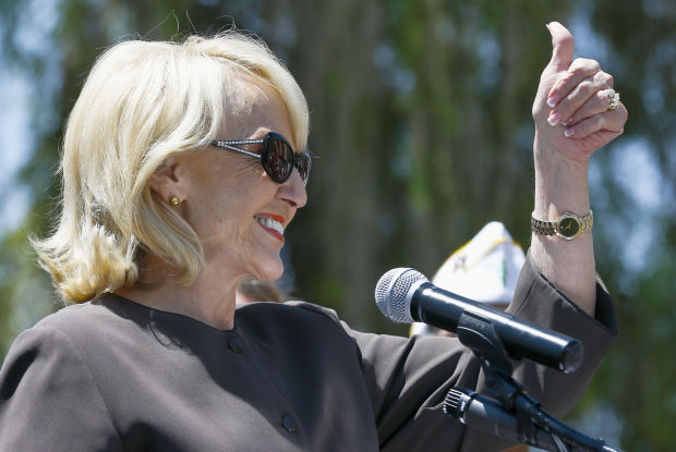 Arizona lawmakers approve plan to expand Medicaid