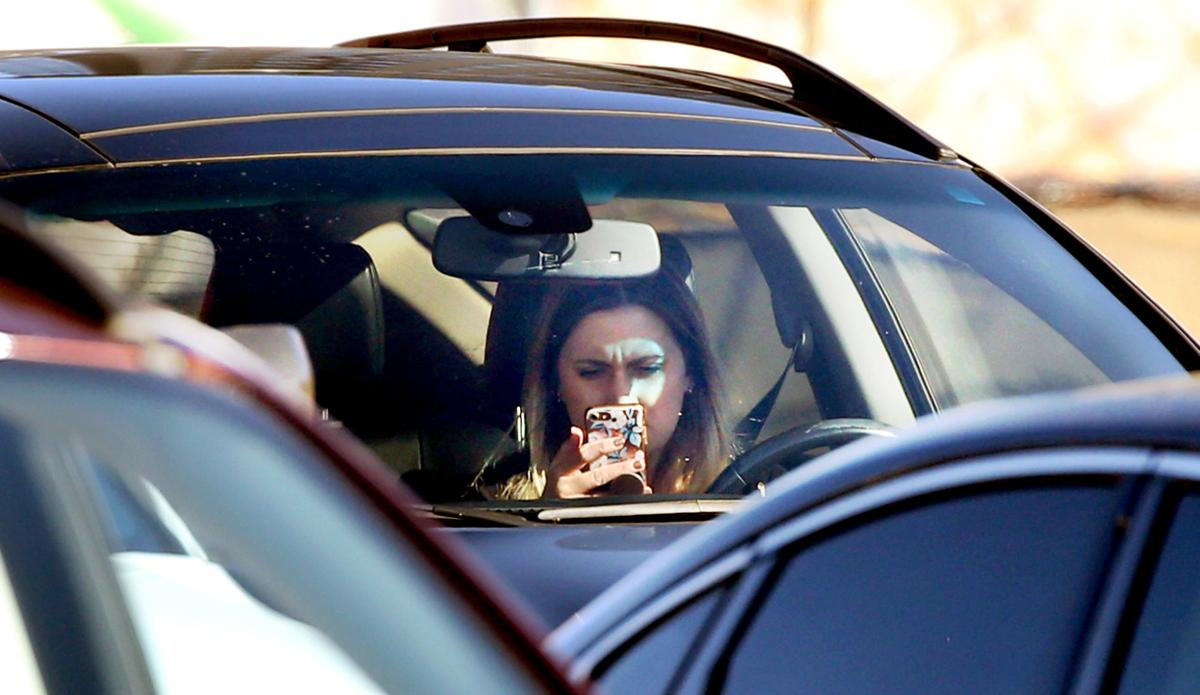 Texting While Driving >> Arizona Senate Panel Oks Across The Board Ban On Texting While