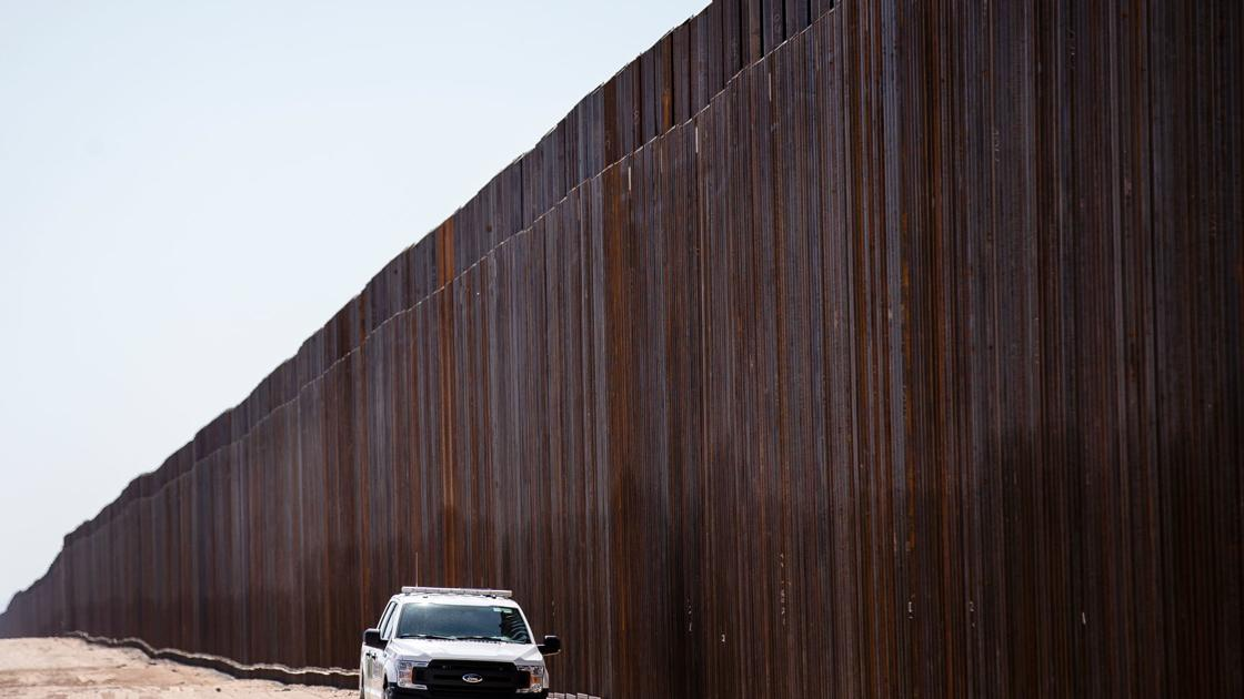 Trump's border wall rises near Yuma