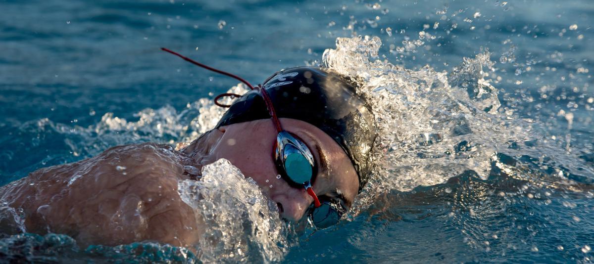 101820-spt-ava parker swimming-p4.JPG