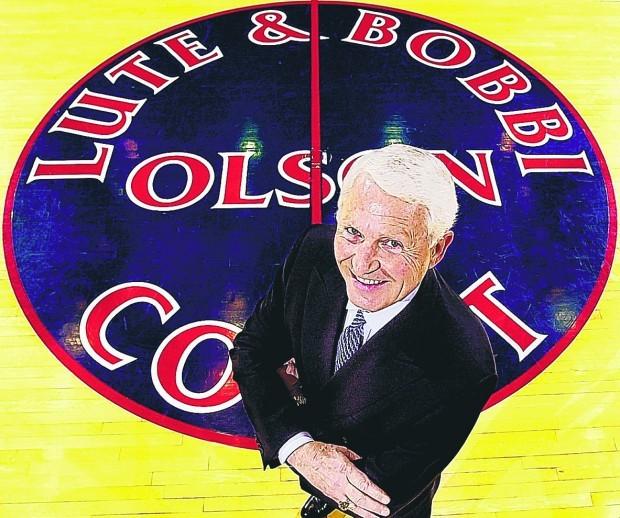Jan. 7, 2001: Lute & Bobbi Olson Court dedicated