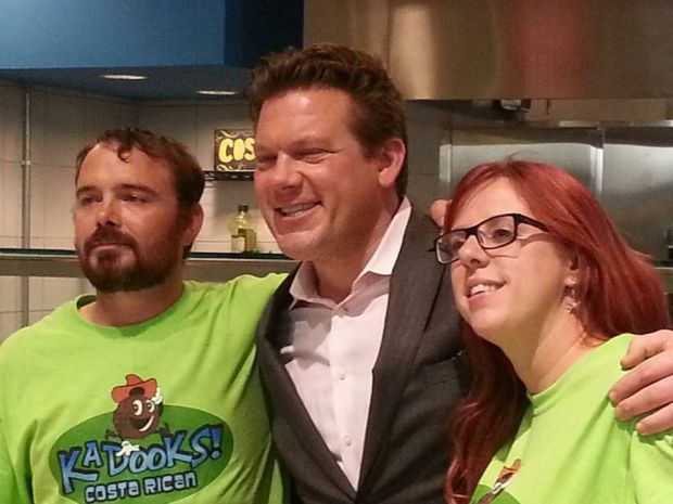 "Tyler Florence brings ""Great Food Truck Race"" to Tucson"