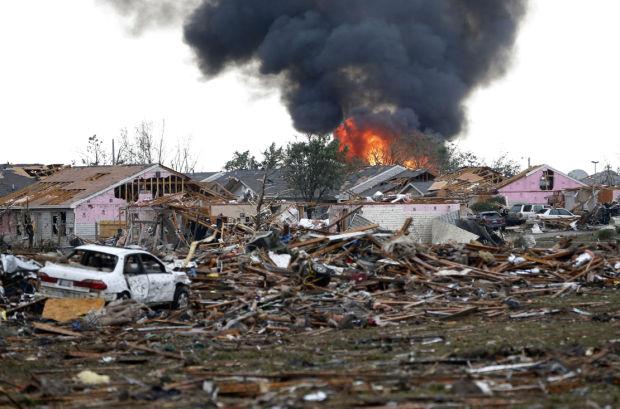 Massive tornado strikes Oklahoma