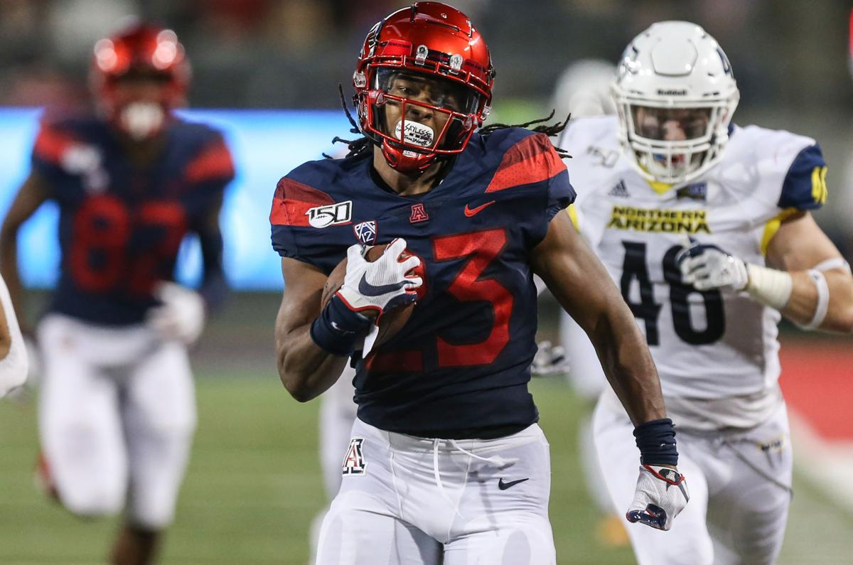 Uofa Football Score >> Explosive Arizona Wildcats Cruise Past Nau 65 41 Bigger