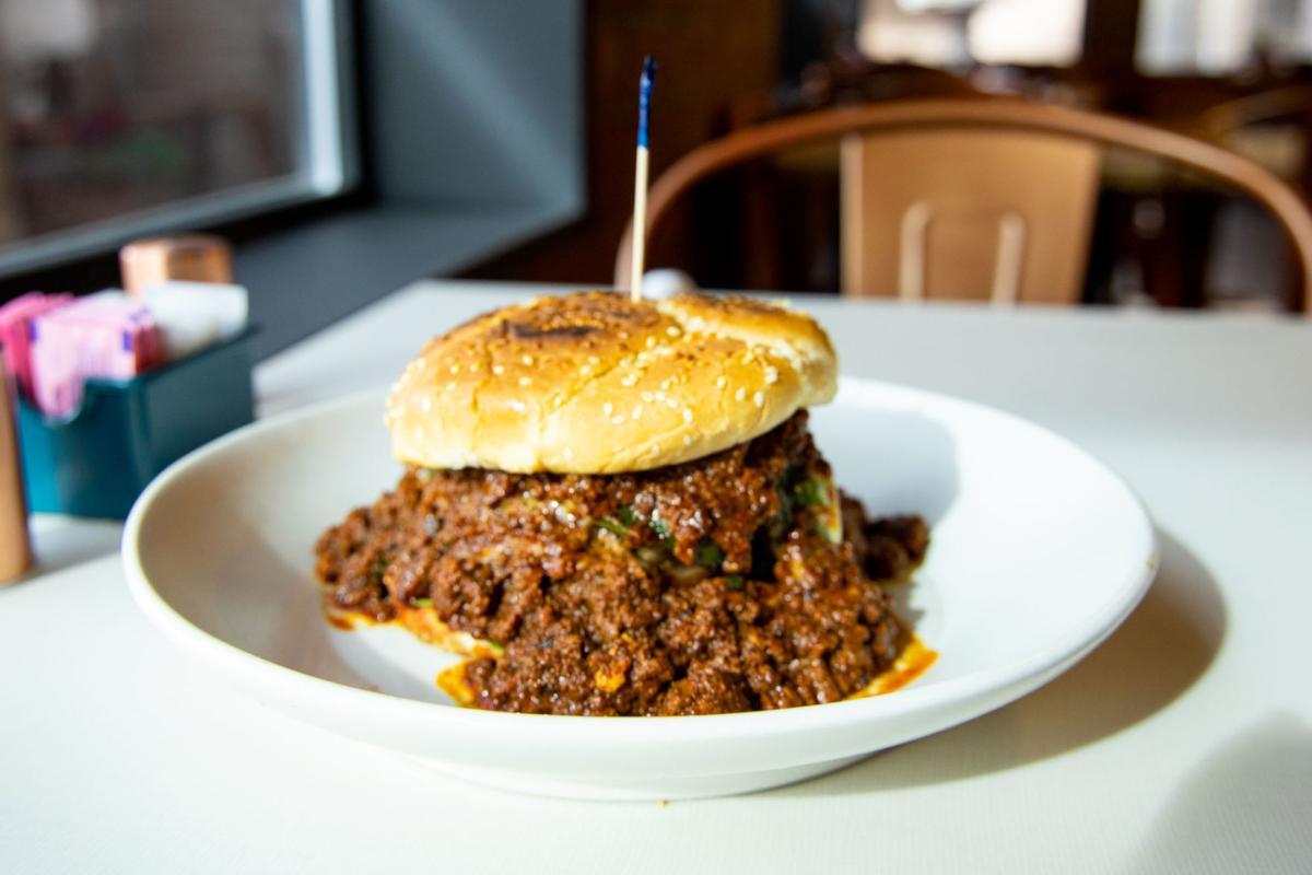 El Chinito Gordo chorizo burger