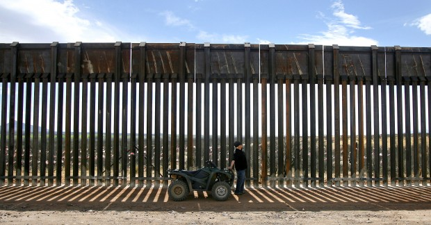 Fundraising website for border fence starts quest