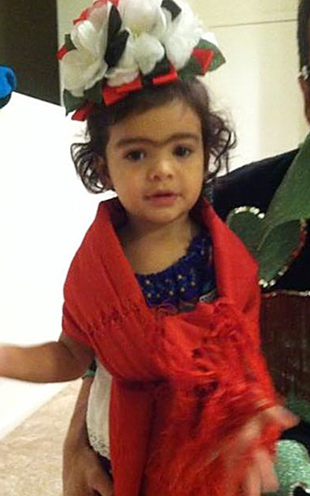 Ziau0027s Frida Kahlo costume cost Veronica Cruz-Mercado nothing since it was fashioned from items at home.  sc 1 st  Arizona Daily Star & Tricks to treating the family with cheap costumes | Families ...