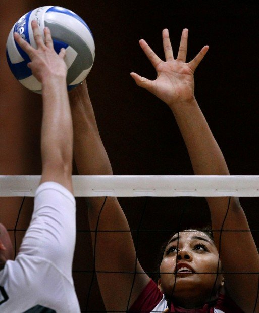 Girls Volleyball season preview: Salpointe setter steps up game