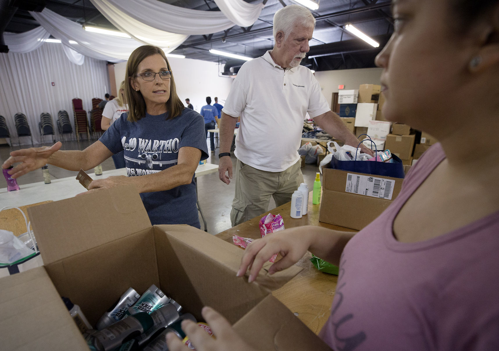 Rep. Martha McSally, after nod from Trump, helps set up Tucson veterans fair | Tucson.com
