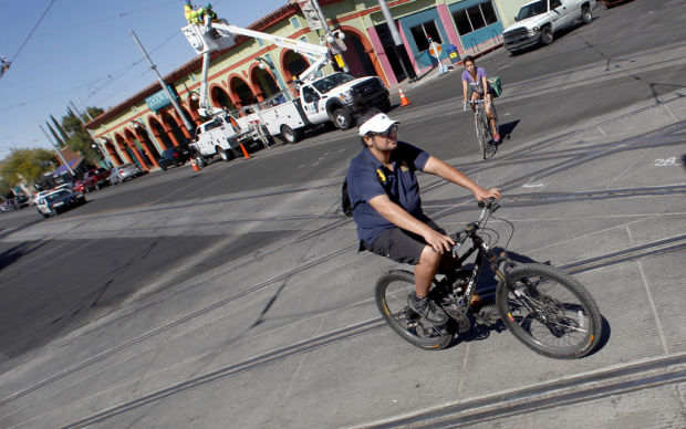 Injured cyclist files $3 million claim over Tucson streetcar tracks