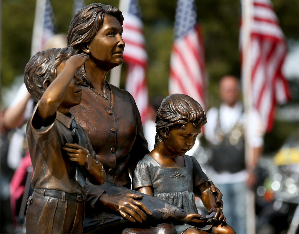 Memorial statue unveiling
