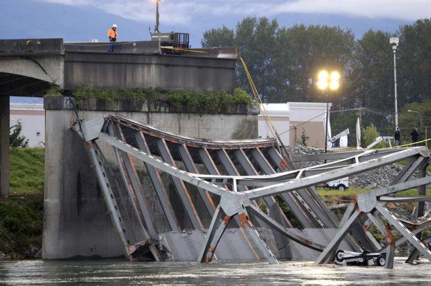 Trucker bumps I-5 bridge, sees it fall away