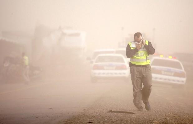 Dust storm at I-10 wreck