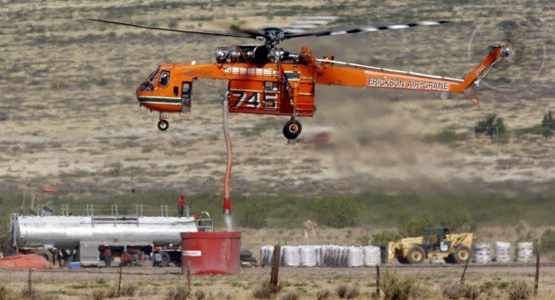 Helicopter used to fight Horseshoe 2 fire