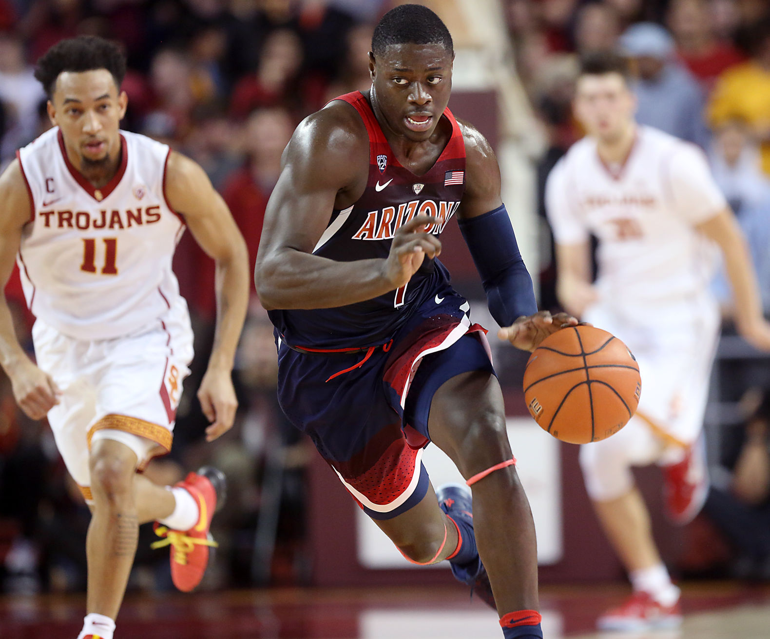 Broken foot sidelines Arizona G Rawle Alkins