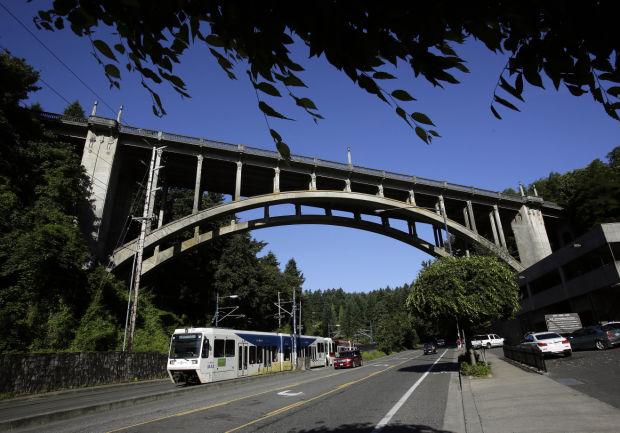Portlanders seek barriers for city's 'Suicide Bridge'