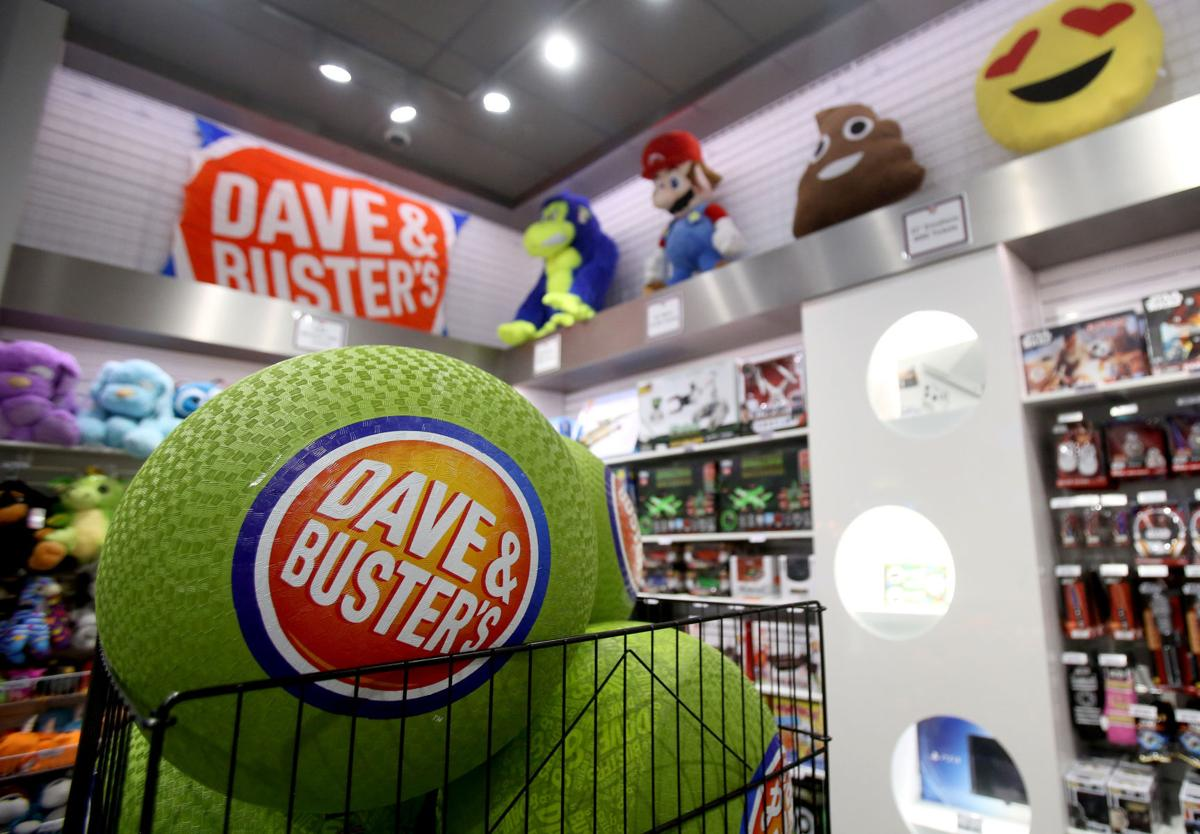Dave & Buster's LE