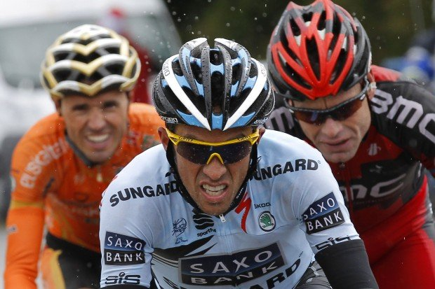 Tour de France: Defending champion makes his move in Stage 16