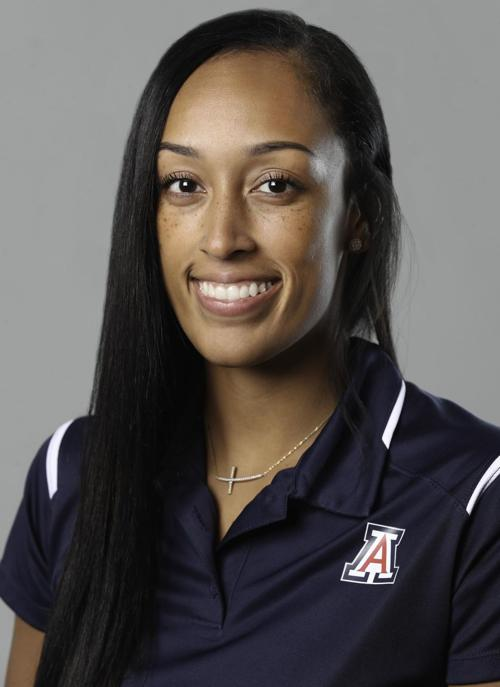 UA assistant Jackie Nared spent part of her summer mentoring her sister, a successful basketball pro