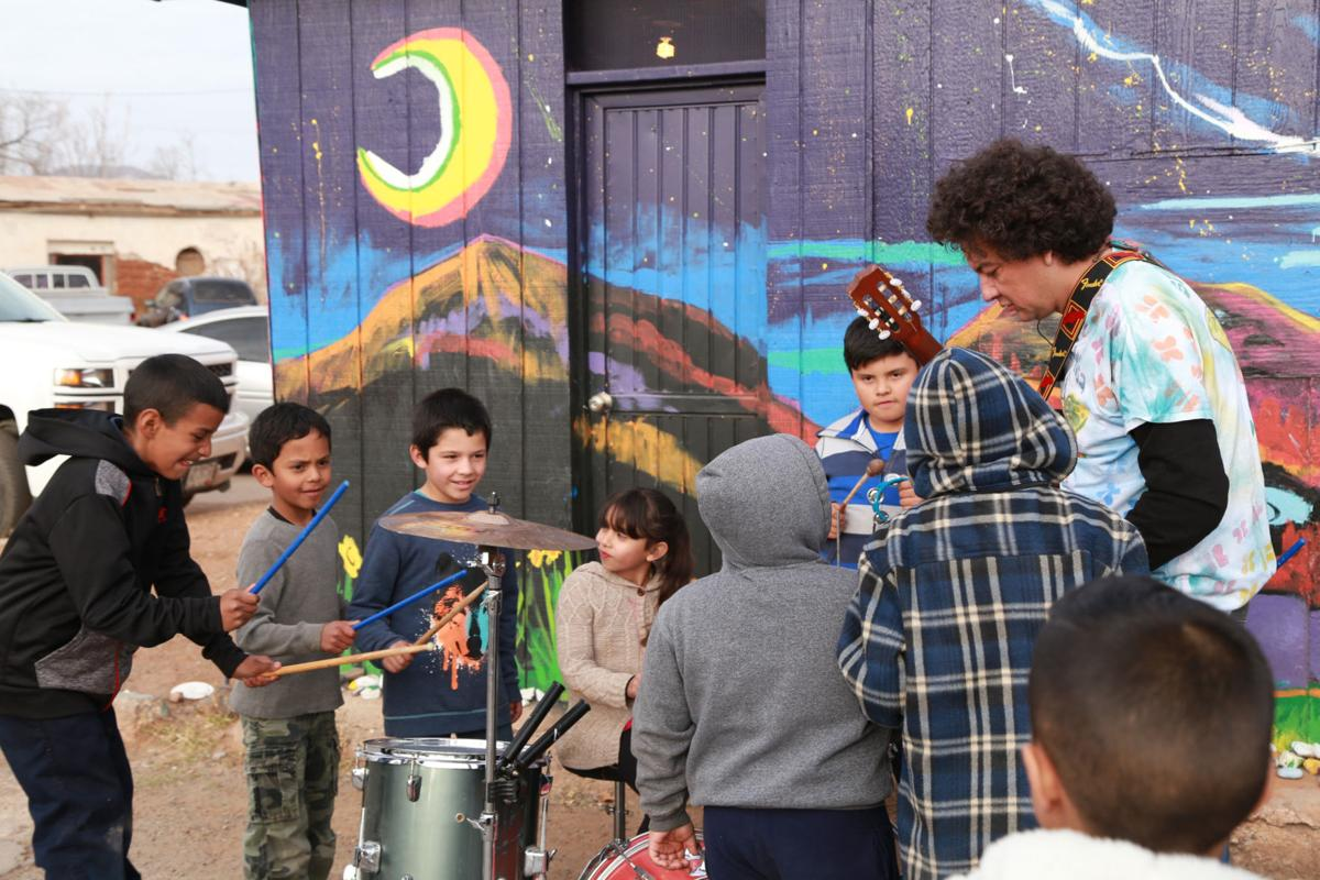 Bisbee artist's program brings American musicians and Mexican children together