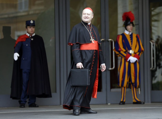 Cardinals set Tuesday for papal conclave's start