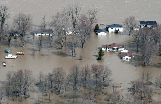 Midwest rivers brace for flooding