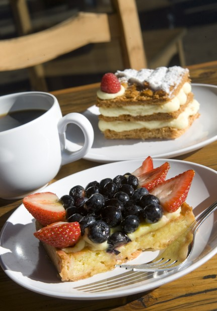 Oui! Pastry lovers leap to Frogs