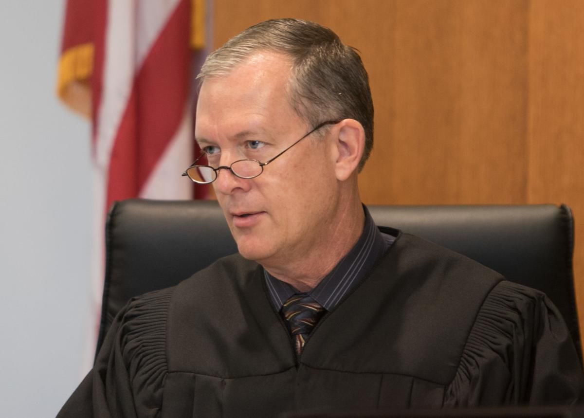 Steller column: Judges question hiring of Pima court official linked to indicted ex-judge | Tucson.com