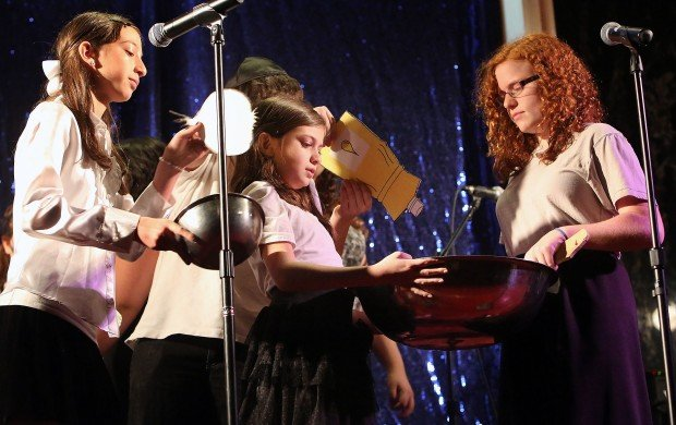Hanukkah is time to sing, celebrate at area temple
