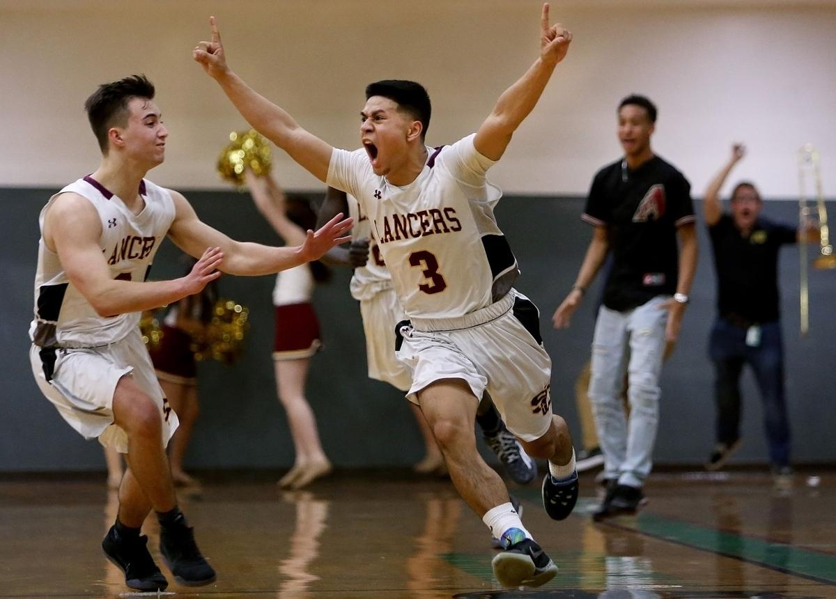 Salpointe Catholic vs. Catalina Foothills in boy's basketball 4A state semifinal