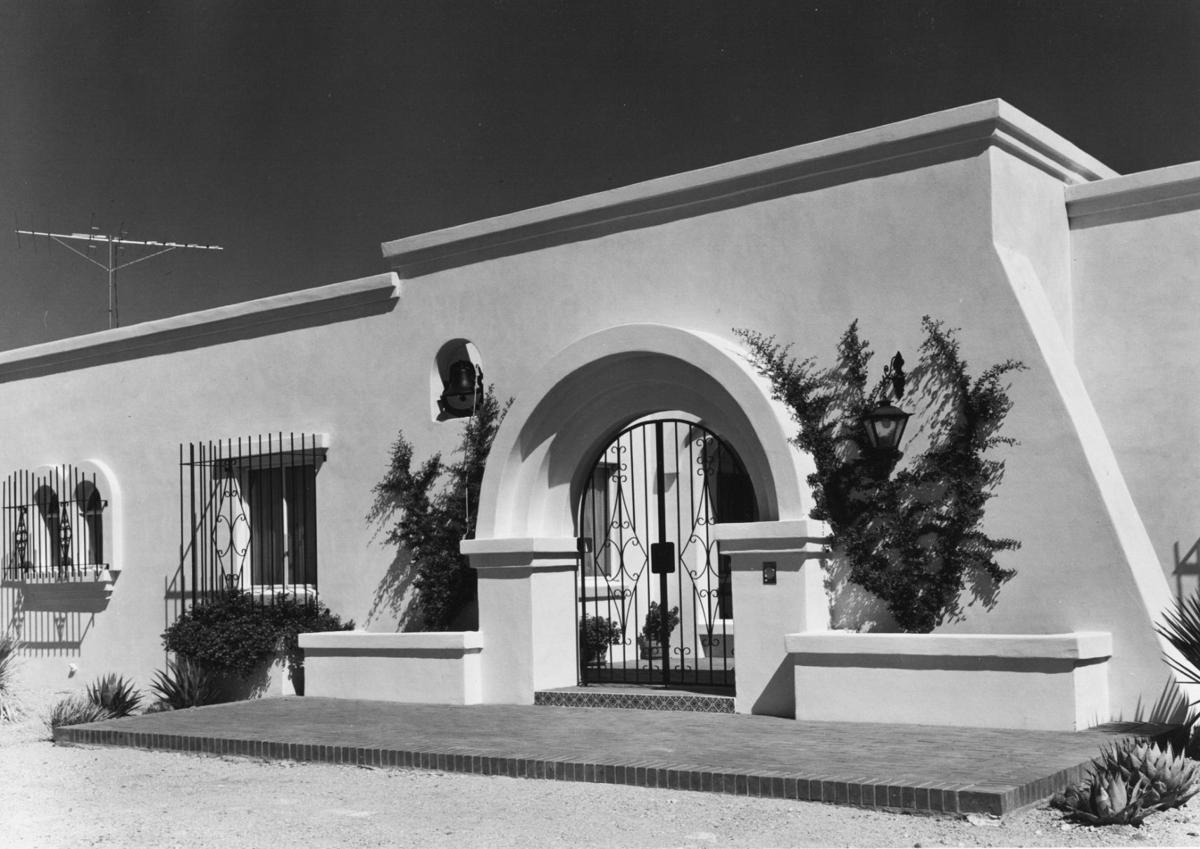 1965 photos: Hispanic look to 'palace'