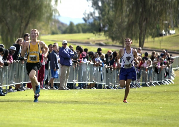 Division III state cross country meet: Sabino's Stamp, Rio Rico boys settle for runner-up finishes