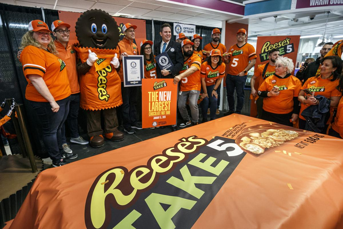 Reese's record candy bar