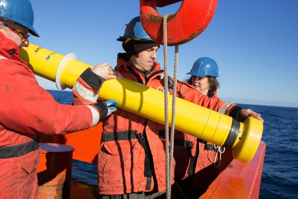 Robotic Floats measure CO2 levels