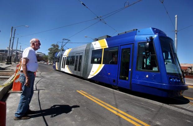Tucson streetcar testing