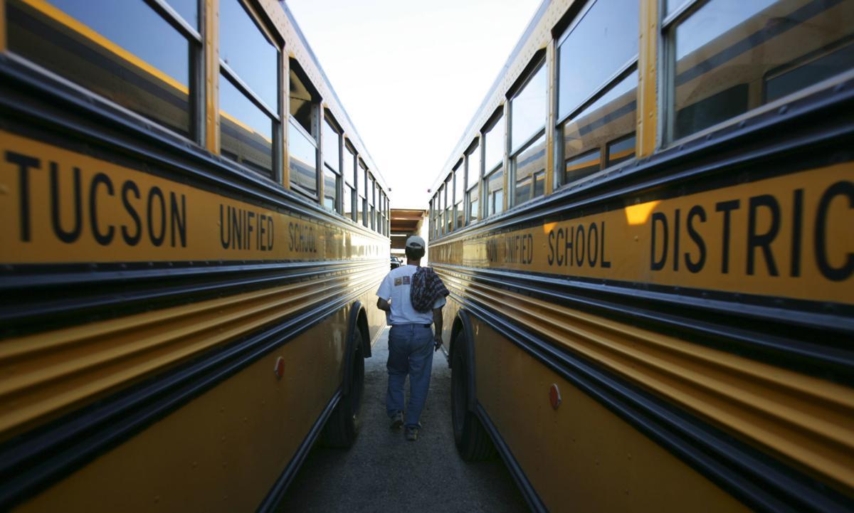 School buses (LE)