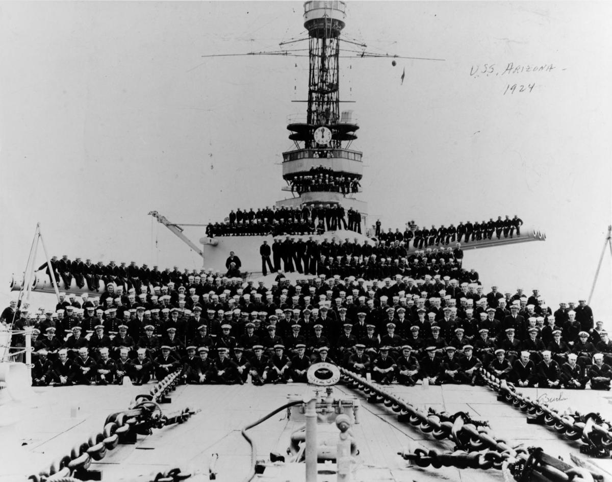 Rarely Seen Photos Of The Uss Arizona Sunk Dec 7 1941 In Pearl